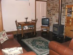 Carpenter Lounge Room