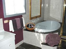 Jolly's Rest Bathroom